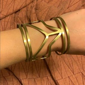 Jewelry - Metal wrist cuff